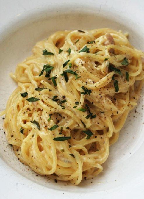 Low FODMAP & Gluten free Recipe - Chicken & tarragon pasta  http://www.ibssano.com/low_fodmap_recipe_chicken_tarragon_pasta.html
