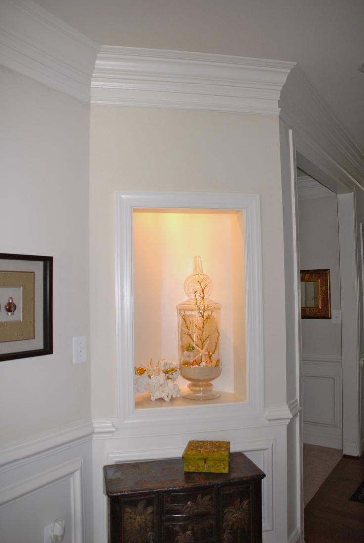 Foyer Niche Ideas : Foyer niche with summer glitter shell collection in a jar