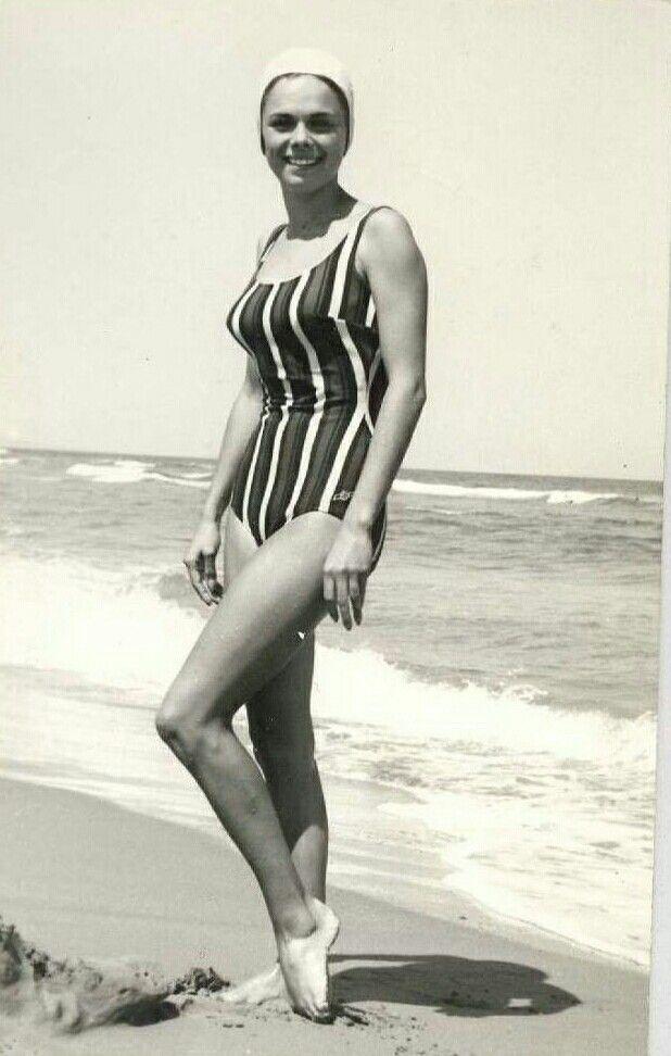Plajda Türk Kadını 1960 lı Yıllar