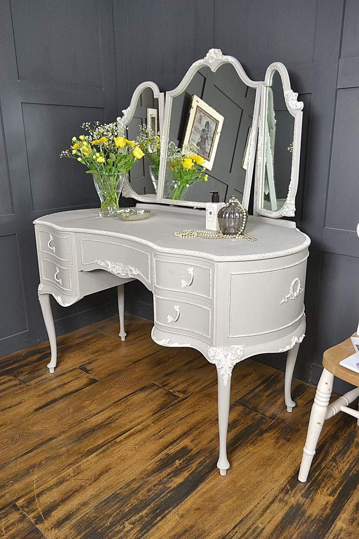 Dressing Table Vintage French Louis Style Shabby Chic Hand painted Paris  grey   louis dressing table   Pinterest   Grey  Shabby chic and DressingDressing Table Vintage French Louis Style Shabby Chic Hand painted  . Louis Style Bedroom Furniture. Home Design Ideas