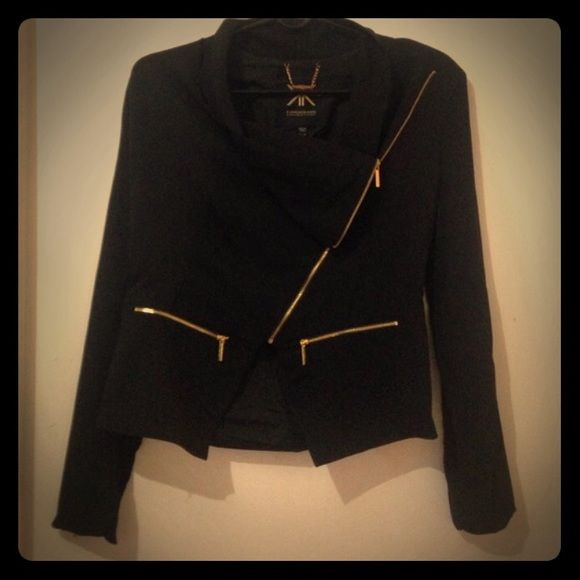 Kardashian kollection draped front jacket NWT Never worn, new with $89 tag, black with gold zippers, beautiful drape in front. LOVE this jacket but it's too big, make me an offer ladies! Thanks😘 Kardashian Kollection Jackets & Coats
