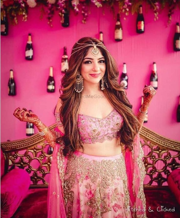 Wedding Photoshoot Poses Bride Decor Preparation Indian Bridal Fashion Accessories Collection