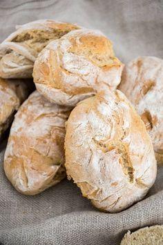 Schnelle und einfache Dinkel-Brötchen. In 40 Minuten fertig. Easy and quick spelt bread // Baking Barbarine