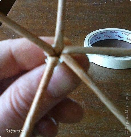 Здравстуйте!!! Как то случайно пообещал показать способ послойного плетения, переход двумя трубочками и вот приходиться сдерживать слово... Сразу хочу извиниться за не очень качественные фото, но есть как есть... фото 29