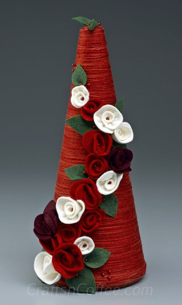 how to make a yarn wrapped topiary tree for Christmas