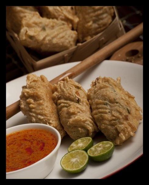 batagor riri by Indonesiabox.Com, via Flickr