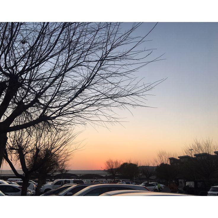 A beautiful winter sunset in South Africa 🌆 #sunset Pinterest: gabzdematos