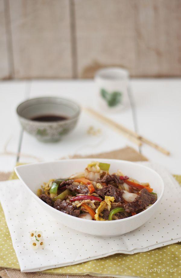 La cocina de Tesa: Chop Suey de Ternera: ternera en tiras, salsa de soja, pimienta de sichuan, col china, zanahoria, cebolla, pimiento rojo, verde.