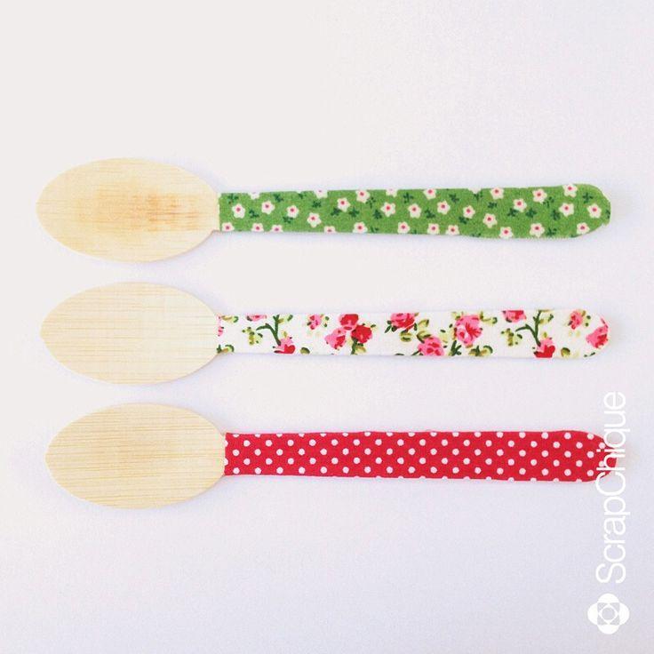 Colher de bambu decorada.  contato@scrapchique.com.br #colherdecorada #colherdebambu #bambuspoon #partyideas #festainfantil #festaadulto #festaemcasa #scrapchique #encontrandoideias