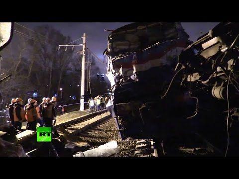 INC News Commentary: На западе Москвы столкнулись пассажирский поезд и ...
