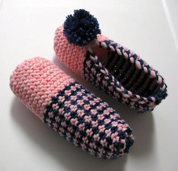 Voici un modèle très agréable à tricoter. J'aime l'effet entrecroisé du motif. Pour des pantoufles plus durables, j'ai doublé les laines en les tricotant. Version imprimable Fournitures: Phentex o...
