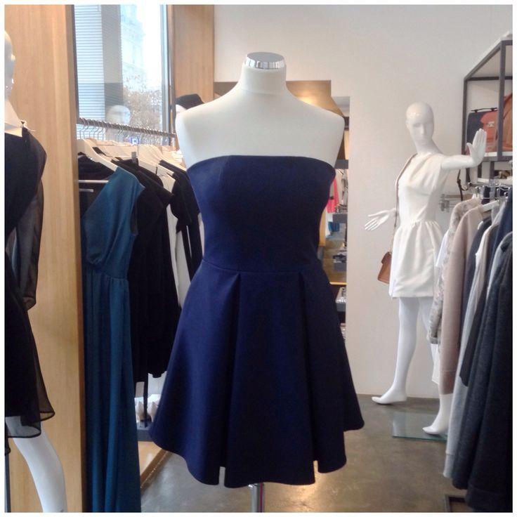 Gorsetowa sukienka bombka z kieszeniami z zimowej kolekcji duetu THECADESS