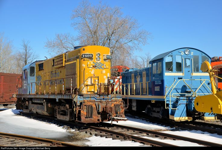 A trio of MLW's. ONR 1400 is one of only two MLW RS-10's that have been preserved I believe and is seen here at Exporail. To its right are two more MLW products. CP 1100 was built for CP as a C424 (CP 4236) but was converted to a control cab in 1995. In front of it is Port of Montreal 1003, an S-3.