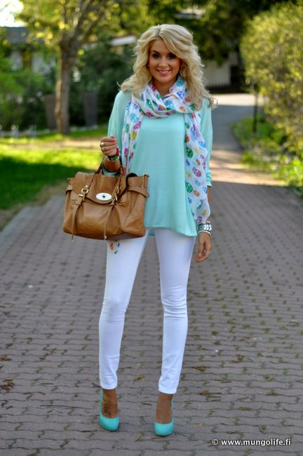 lovely: White Pants Blue Tops, Colors Combos, White Skinny Jeans, Mint Green, Turquoi And White Outfits, Mint Tops, White And Silver Outfits, White Jeans, Heels And Skinny