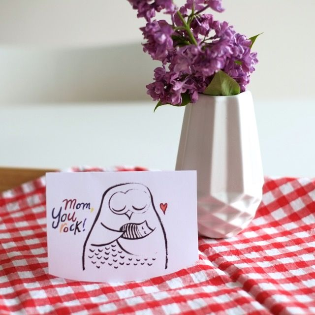 """""""Hast du eine Mutter, dann hast du immer Butter. Mutter ist die beste Frau.Und der Schrank ist immer voll Butter.Mutter hat die schönsten Kleider.Und der Schrank ist immer voll, voll mit B…"""