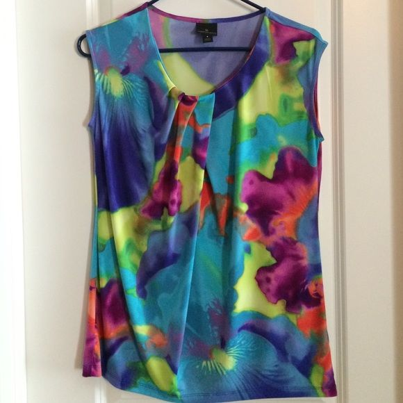 Worthington colorful top Bright colorful sleeveless print top. Super cute for work to brighten up the place!! Worthington Tops Blouses