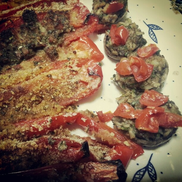 Peppers and mushrooms au gratin