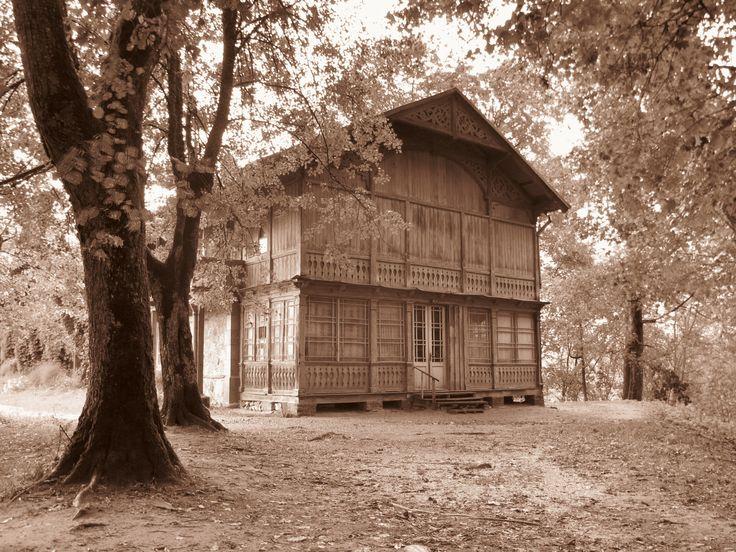 Casa abandonada en Krimulda, Parque Nacional del Gauja, Letonia