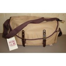 Hanpu Koubou Canvas Overnight Bag $59.95 - A lightweight overnight bag that's also a cabin-baggage-friendly size #hanpukoubou #mensbags #overnightbag