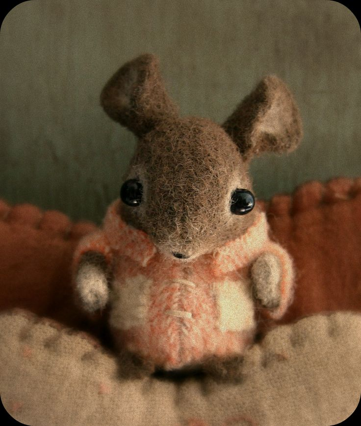 Most adorable felted mouse I've ever seen