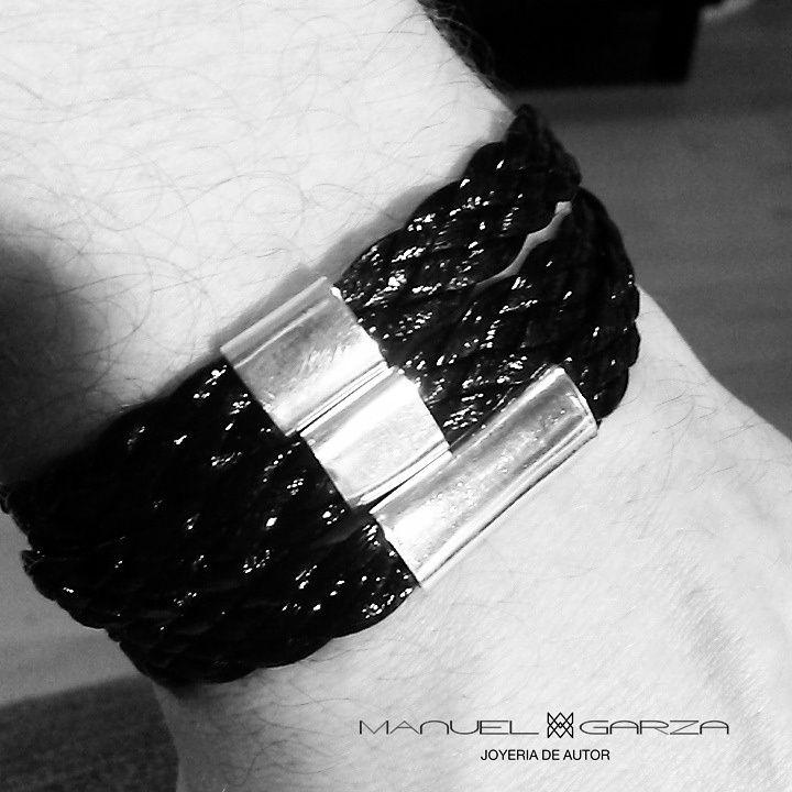 """Nuestra pulsera """"L"""" de diseño exclusivo llega hoy con su nuevo dueño.  #ManuelGarzaJoyas"""