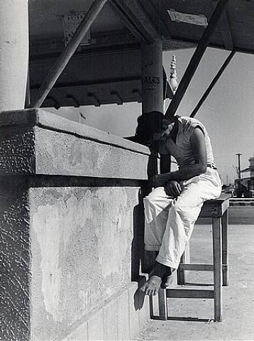 Lola Alvarez Bravo - Dormido/Sleeping 1941, a wonderful Mexican Photographer has her works at the UofA Center for Creative Photography
