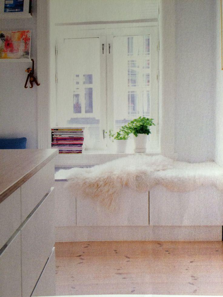 Kjøkkenbenk med oppbevaring