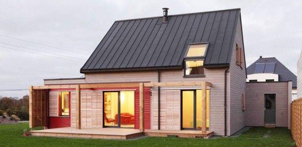 Terra cruda e legno per la casa bioclimatica in Bretagna