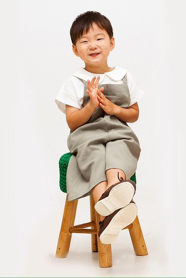 """MANSE_Thailand on Twitter: """"หน้าจอใครว่างอยู่หรือกำลังมองหาวอลใหม่ นำเสนอนี่เลยค่ะ ตั้งแล้วเด็กๆตัวใหญ๊..ใหญ่ #daehan #minguk #Manse http://t.co/1JIa9PdtFE"""""""
