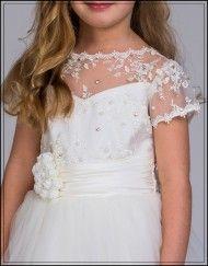 Vackra finklänning Belinda med sina underbara detaljer!