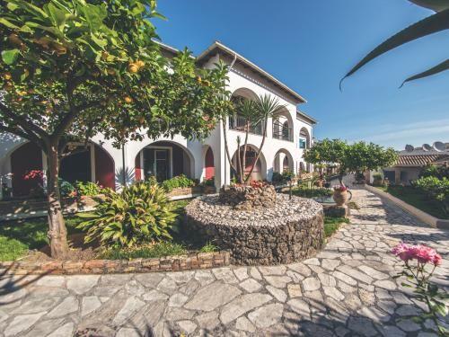 Séjour Grèce pas cher Carrefour Voyages, séjour Hôtel Iliada Beach 3* à Corfou prix promo Voyages Carrefour à partir de 470,00 € TTC