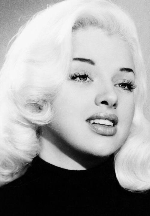 Diana Dors, 1955