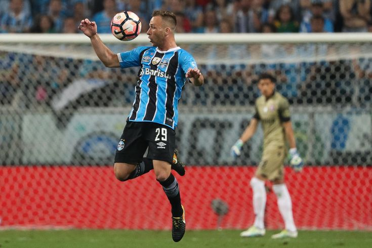 Barcelona issue apology to Gremio over Arthur photo       Brazilian outfit Gremio have this night time printed that Los angeles Liga giants Barcelona have issued them with an apology after  of midfielder Arthur dressed in a Blaugrana jersey along Robert Fernandez leaked on-line.  Prodigious starlet  Arthur a 21-year-old Brazilian midfielder has lengthy been considered one of the vital greatest younger skills in South American soccer.  The proficient Selecao superstar lately guided Gremio…