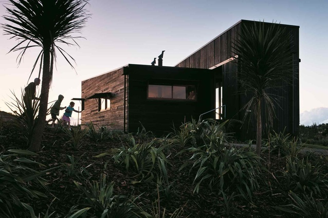 Tutukaka holiday house by Crosson Clarke Carnachan Architects (Auckland)