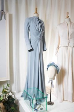 Mainbocher. Wallis Simpson. Duchess of Windsor. Edward VIII. Duke of Windsor. Wedding dress.