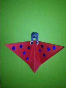 Vlinder vouwen. Origami. Knutselen met kinderen.