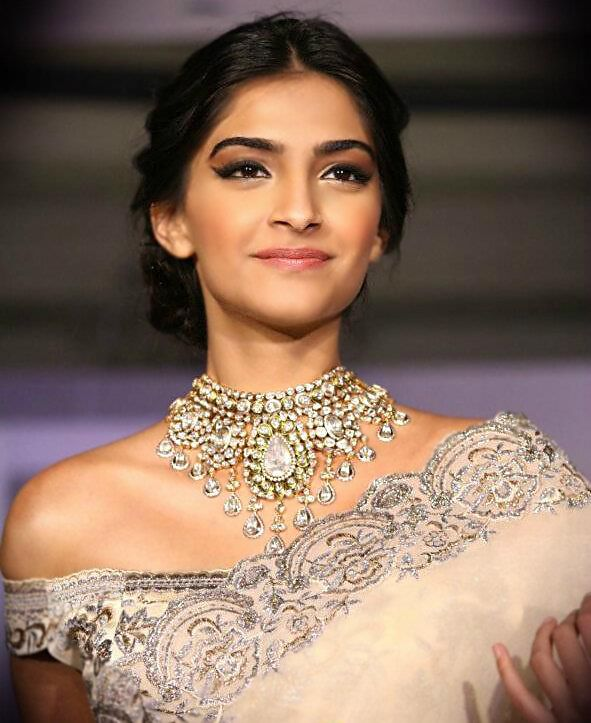 sonam kapoor make-up