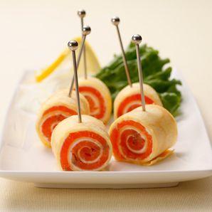 スモークサーモンとクリームチーズのピンチョス風クレープ|レシピ・ノート|お菓子百科クラブ - OKASHI HYAKKA CLUB-
