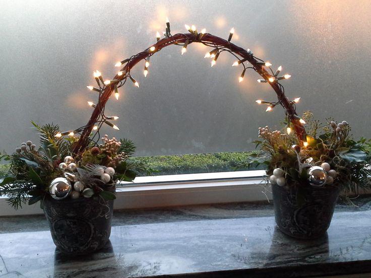 Kerststukje met lampjes