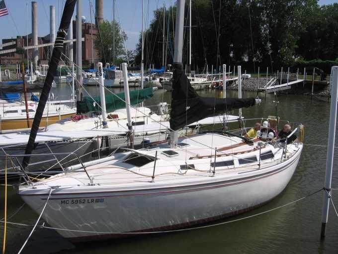 1984 Catalina 30 Catalina Yacht Model Boat