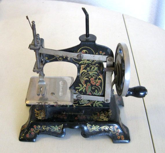 Antique Childs Sewing Machine Made In Germany Cast Iron