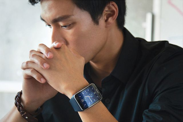 Curved Samsung Gear S smartwatch is first to have 3G connection