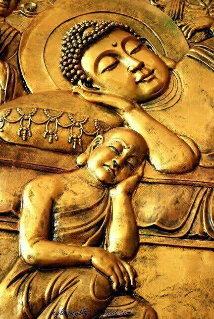 Buda durmiendo y Lohan