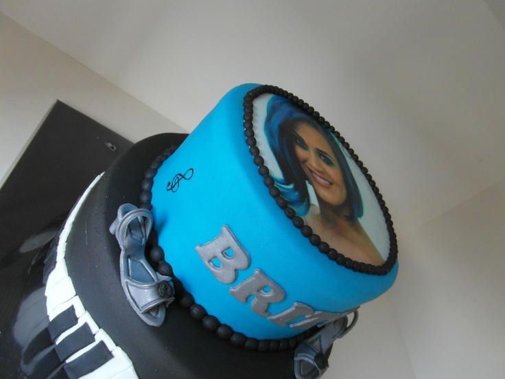 blauw/zwarte muziektaart/ blue/black music cake Katy Perry