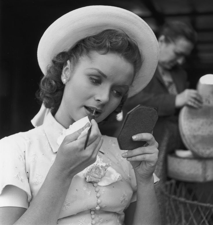 Debbie Reynolds Turns 84 Today! Enjoy These Stunning Vintage Images of America's…