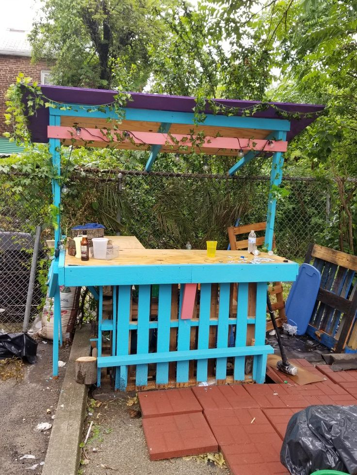 Best 20 Outdoor Pallet Bar Ideas On Pinterest Pallet