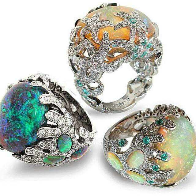 "Rings: MERVEILLES DE LA MER. Bottom you can see the rings ""Fée des mers"" and on the top it is ""OCÉANE"""