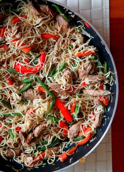 Vegetable and chicken chow-mein