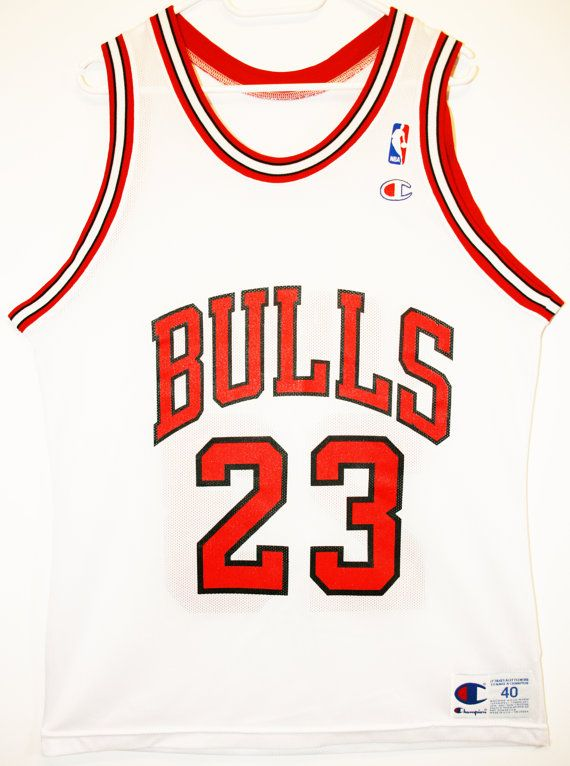Champion NBA Basketball Chicago Bulls #23 Michael Jordan Trikot/Jersey Size 40 - Größe M - 99,90€ #nba #basketball #trikot #jersey #etsy #sport #fitness #fanartikel #merchandise #usa #america #fashion #mode #collectable #memorabilia #allbigeverything