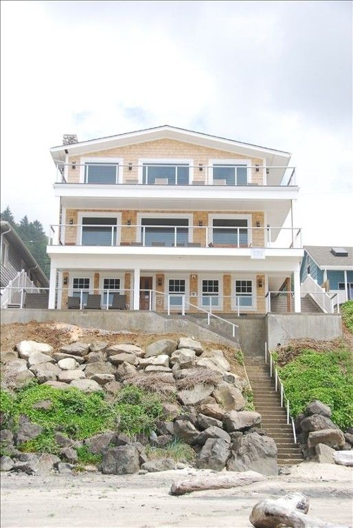 oregon rentals the lincolncitycondomiracles romantic nw lincoln beachcombers getaways washington on miracles cabin front ocean condo blog cabins city coast